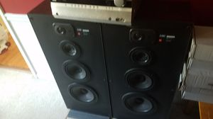 Onkyo TX-SR606 7.1 Audio Receiver & 2 JBL 940T Speakers for Sale in Alpharetta, GA