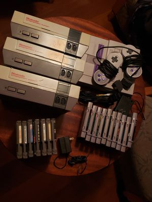 Big Nintendo bundle nes & snes for Sale in Marysville, WA