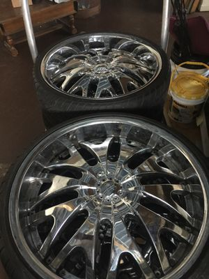 """22"""" rims needs to be gone by this weekend for Sale in Detroit, MI"""