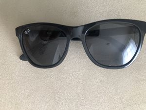 Ray-Ban Wayfarer Sunglasses for Sale in Everett, WA