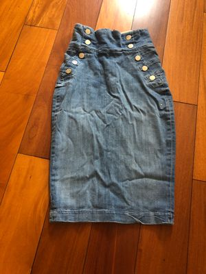 Guess pencil skirt size 25 for Sale in Los Angeles, CA