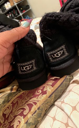 Uggs boot size 6 for Sale in Cleveland, OH