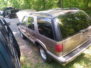 1998 chevy blazer for Sale in Atlanta, GA