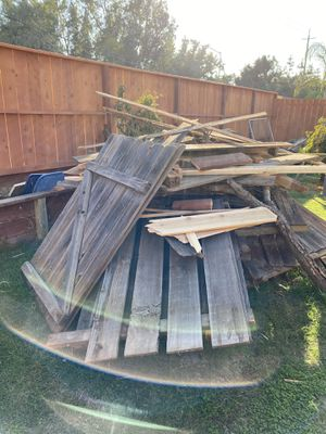 Giving this wood for free for Sale in Fresno, CA
