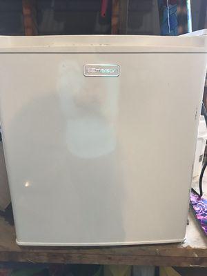 Mini dorm fridge $30 for Sale in Lovettsville, VA