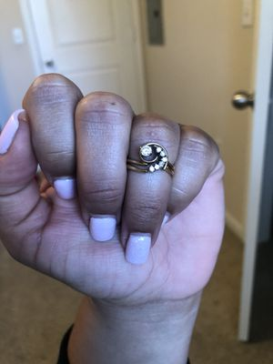 Unique and beautiful engagement ring and wedding band set! for Sale in Lake Elsinore, CA