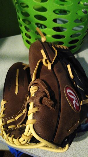 Kids baseball glove (12&1/2) for Sale in Pittsburgh, PA