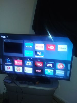 A 50 inch Phillips smart tv 260 for Sale in Indianapolis, IN