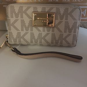 Michael Kors Wallet for Sale in Phoenix, AZ