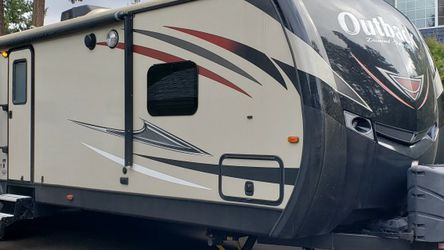2019 Keystone Outback 325bh Bunkhouse for Sale in Beaverton,  OR