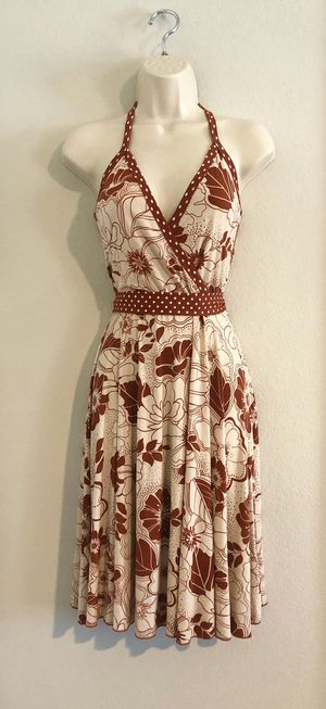 Like new stretchy Windsor rust & cream halter dress. Sz small. for Sale in Las Vegas, NV