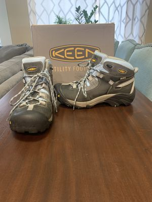 Woman's KEEN work/hiking boot size 10 for Sale in Bellevue, WA