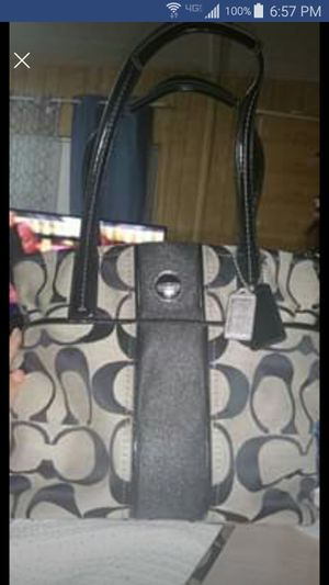Coach purse for Sale in Hemet, CA