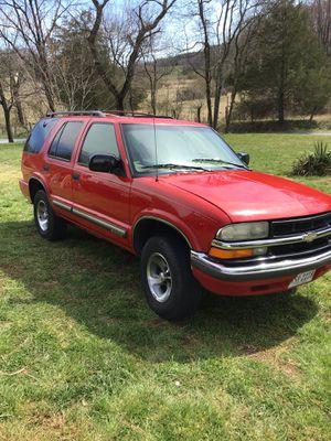 01 Chevy blazer for Sale in Thaxton, VA