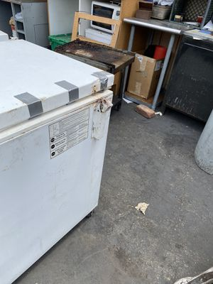 5 ft freezer for Sale in Castro Valley, CA