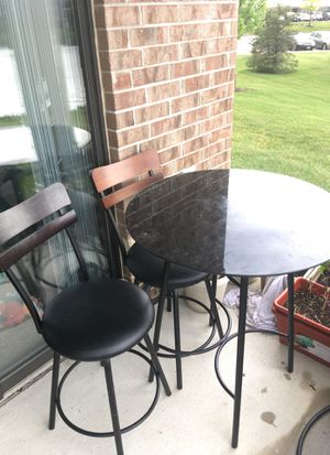 Coffee table and chairs for Sale in Dunlap, IL