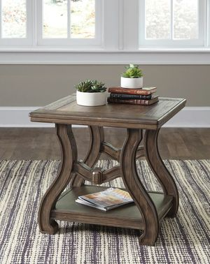 Ashley Furniture End Table for Sale in Garden Grove, CA