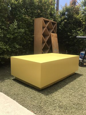 Mod Yellow Coffee Table for Sale in Los Angeles, CA