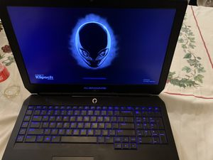 Alienware 17 R3 gaming laptop - Boots but turns off for Sale in Coachella, CA
