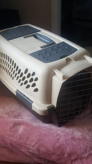 Cat or small dog crate carrier for Sale in Anaheim, CA