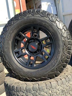 """17"""" new trd style rims and used bfgoodrich ko2 tires 2857017 6 lug for Sale in Modesto, CA"""