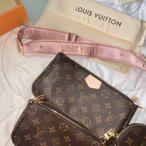 Louis Vuitton Multi Pouchette New With Box for Sale in Ellenwood, GA