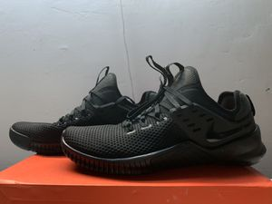 NIKE FREE METCON TRAINING/RUNNING SHOES for Sale in Los Angeles, CA