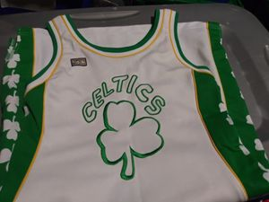 Celtics Vintage Jersey for Sale in Quincy, IL