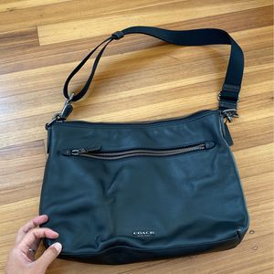 Shoulder Bag for Sale in Miami, FL