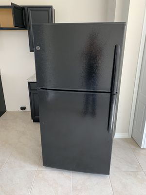 Brand new GE fridge with ice maker pick up winter haven must sell today make fair offer for Sale in Haines City, FL