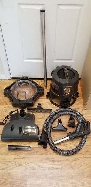 NEW cond RAINBOW GOLD VACUUM WITH COMPLETE ATTACHMENTS, SHAMPOO SYSTEM , AMAZING POWER SUCTION, IN THE BOX , WORKS EXCELLENT, BEST OFFER ACCEPTED for Sale in Auburn, WA
