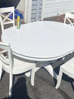 Crate And Barrel Dining Table for Sale in Bowie,  MD