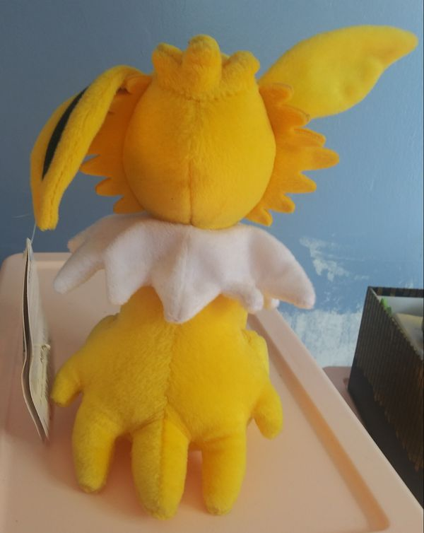 Tomy Jolteon Pokemon plushie
