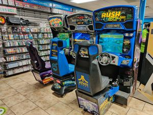 Rush 2049 Full Size Arcade Racing Game - 𝐈𝐅 𝐘𝐎𝐔 𝐒𝐄𝐄 𝐌𝐘 𝐀𝐃, 𝐈𝐓𝐒 𝐒𝐓𝐈𝐋𝐋 𝐀𝐕𝐀𝐈𝐋𝐀𝐁𝐋𝐄 for Sale in Goodyear, AZ