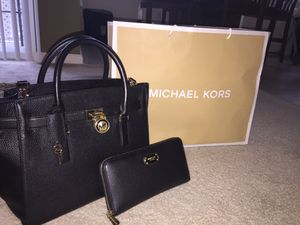 BRAND NEW MICHAEL KORS PURSE AND WALLET SET for Sale in Severn, MD