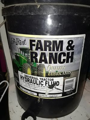 Five point, universal tractor hydraulic fluid 5 gallons for Sale in Syracuse, UT