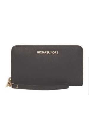 Beautiful Original. Michael kors wristlet wallet 👝 for Sale in Los Angeles, CA