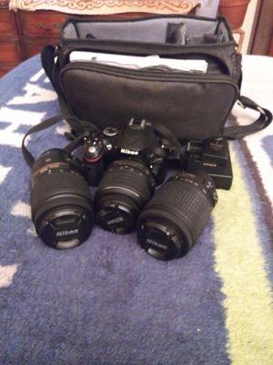 Nikon D5200 DSLR CAMERA BUNDLE W/EXTRAS for Sale in Poulsbo, WA