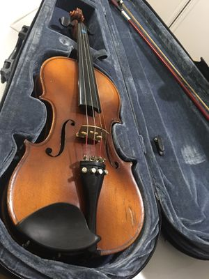 Nagaya Sazuk 220 3/4 violin with case local pick up only for Sale in West Haven, CT