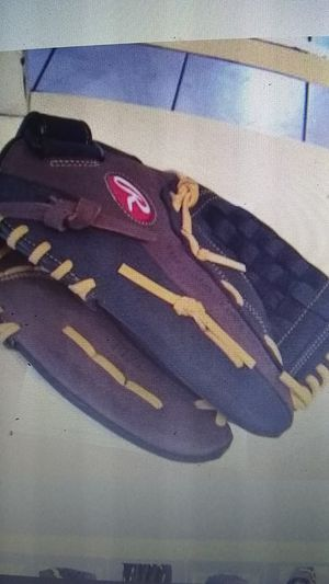 Rawlings baseball glove for Sale in Fontana, CA