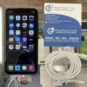 IPhone XR Unlocked/64gb for Sale in Middletown, CT