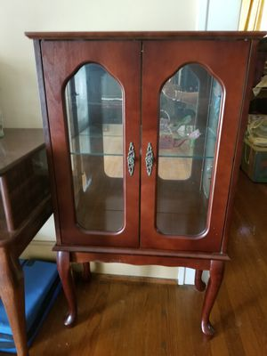 Curio cabinet for Sale in Albemarle, NC