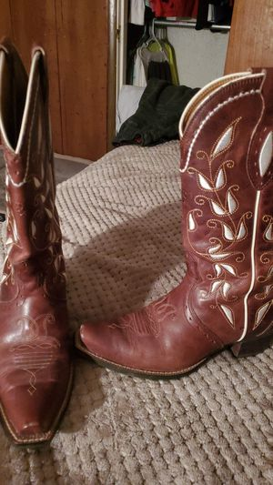 Women' Ariat boots 7.1/2 for Sale in Fort Worth, TX
