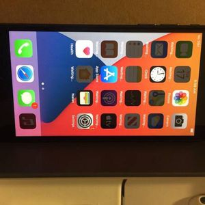 iPhone 8 Plus for Sale in Lake Elsinore, CA