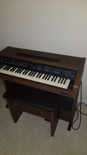 Organ/piano for Sale in Avon Park, FL