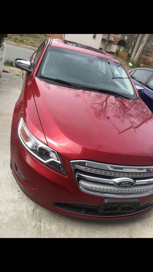 Ford taurus 2010 limited edition for Sale in Woodbridge, VA