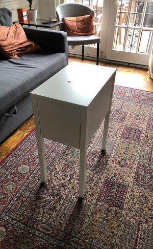 White end table with drawer for Sale in Washington, DC