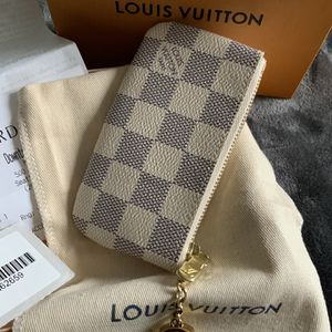 Louis Vuitton Key Wallet ❤️❤️❤️❤️❤️❤️🎁🎁🎁 for Sale in Bonney Lake, WA