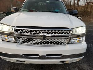 2004 Chevrolet Silverado 2500hd gm hood ,gm headlights, for Sale in Damascus, MD