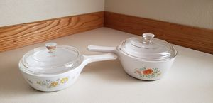 Two vintage Corning ware with lids for Sale in Lake Stevens, WA
